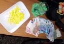 La polizia arresta spacciatore in vico Torre delle Vigne. A casa, in via Balbi, aveva 100 dosi – IL VIDEO