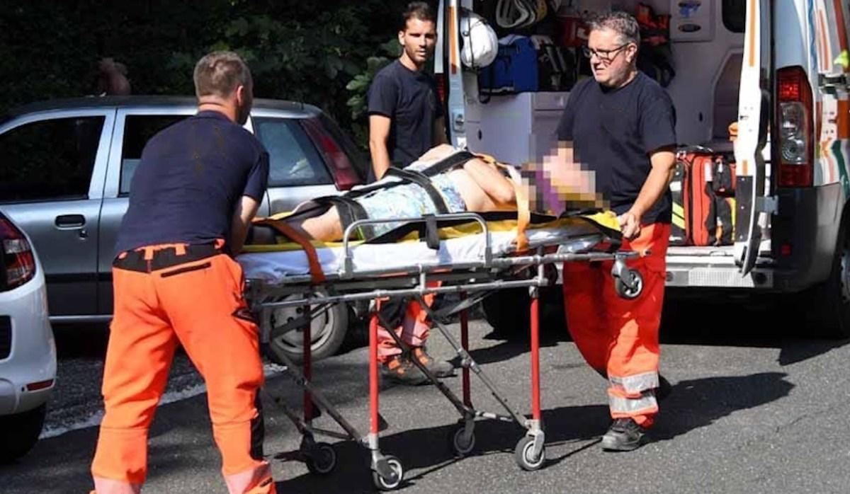 Cade nel torrente Nervi da 5 metri, grave una donna