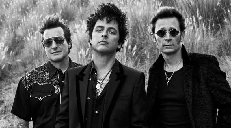Green Day Return To The Live Stage In 'Pollyanna' Video