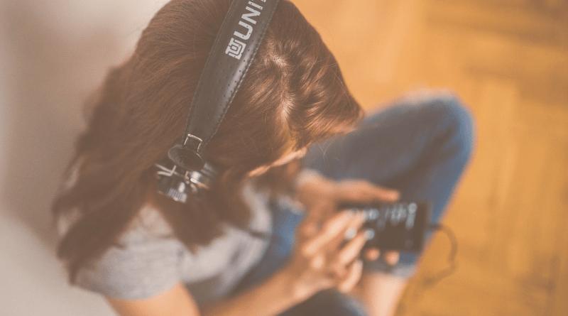 Deep Talk, Sex Mythen, Reisefieber & Co.: Unsere Podcast-Perlen 2020