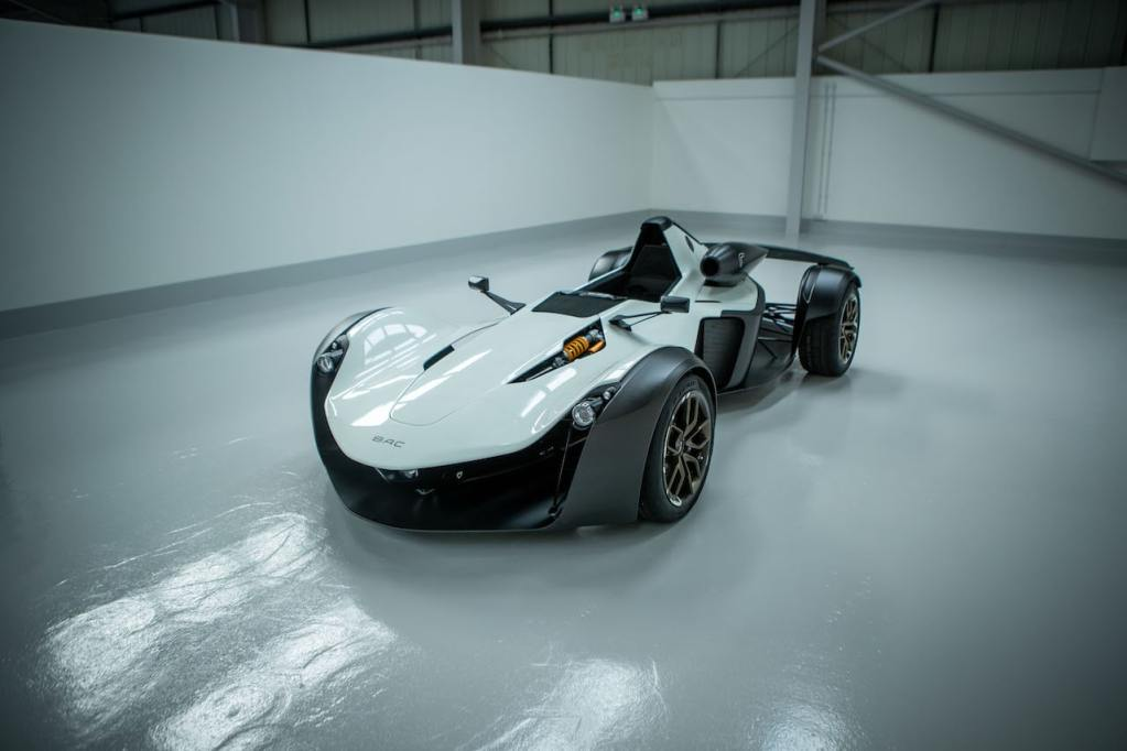 BAC Mono R Front Styling