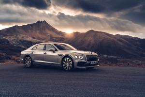 - Bentley_Flying_Spur_Flying_Spur_Monaco-White_Sand-03-min