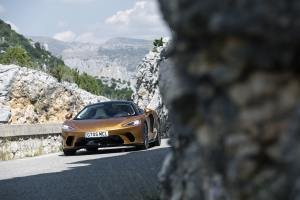 - GENROQ_-11503-McLaren-GT-Global-Test-Drive---Burnished-Copper-min