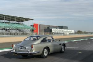 - Aston_Martin_DB5_Stunt_Car_00063