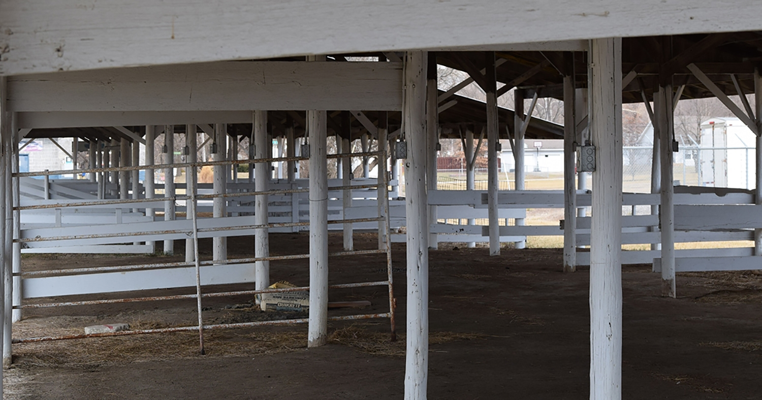 hight resolution of typical pole barn interior framing