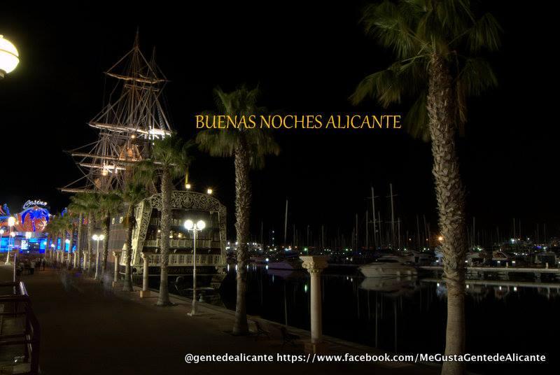 Alicante-desde-el-puerto-con-el-santisima-trinidad