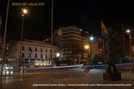 Alicante-plaza-del-mar