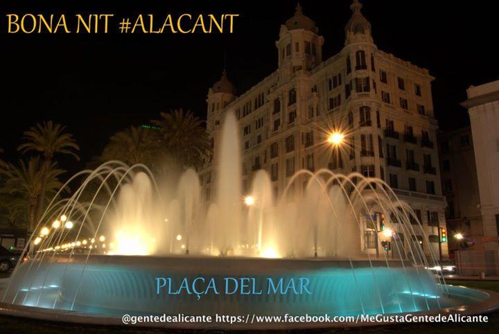 Alicante-Plaza-del-mar-nocturna