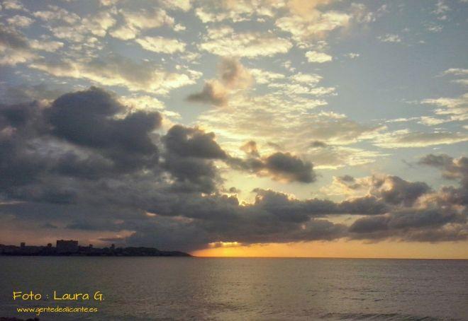 Amanecer-playa-postiguet-alicante-laura-gda