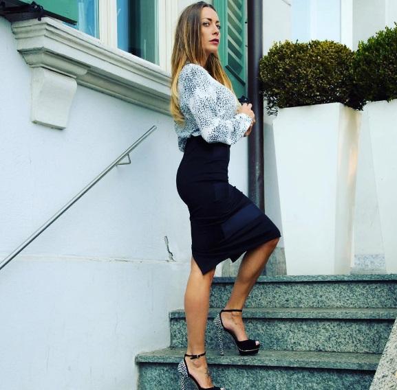 Gossip news Karina Cascella ci prova come Jennifer Lopez