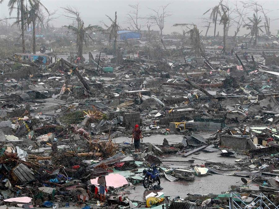 ss-131110-philippines-typhoon-ps-tease.photoblog900