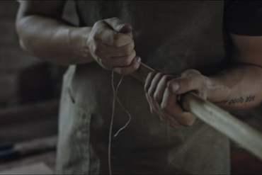 LUK I STRIJELA Pogledajte kako nastaje jedno od najubojitijih oružja