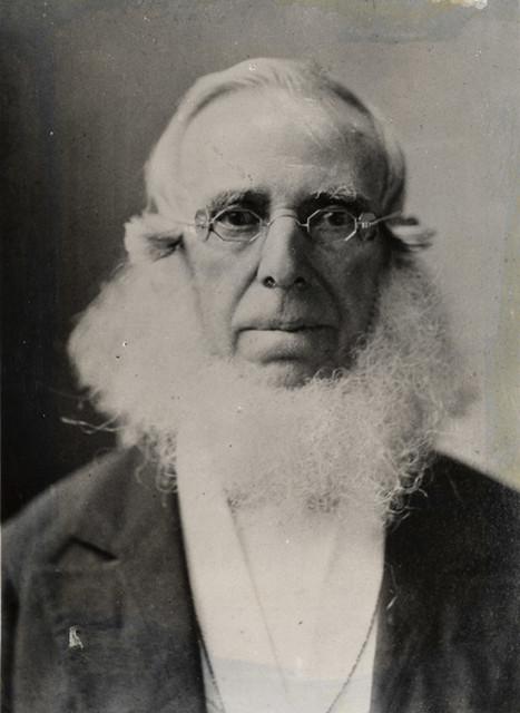 Peter Cooper (1791 – 1883) izumitelj prve parne lokomotive Tom Thumb. Navodno i izumitelj prvog deserta od želatine danas poznatijeg kao JELL-O.