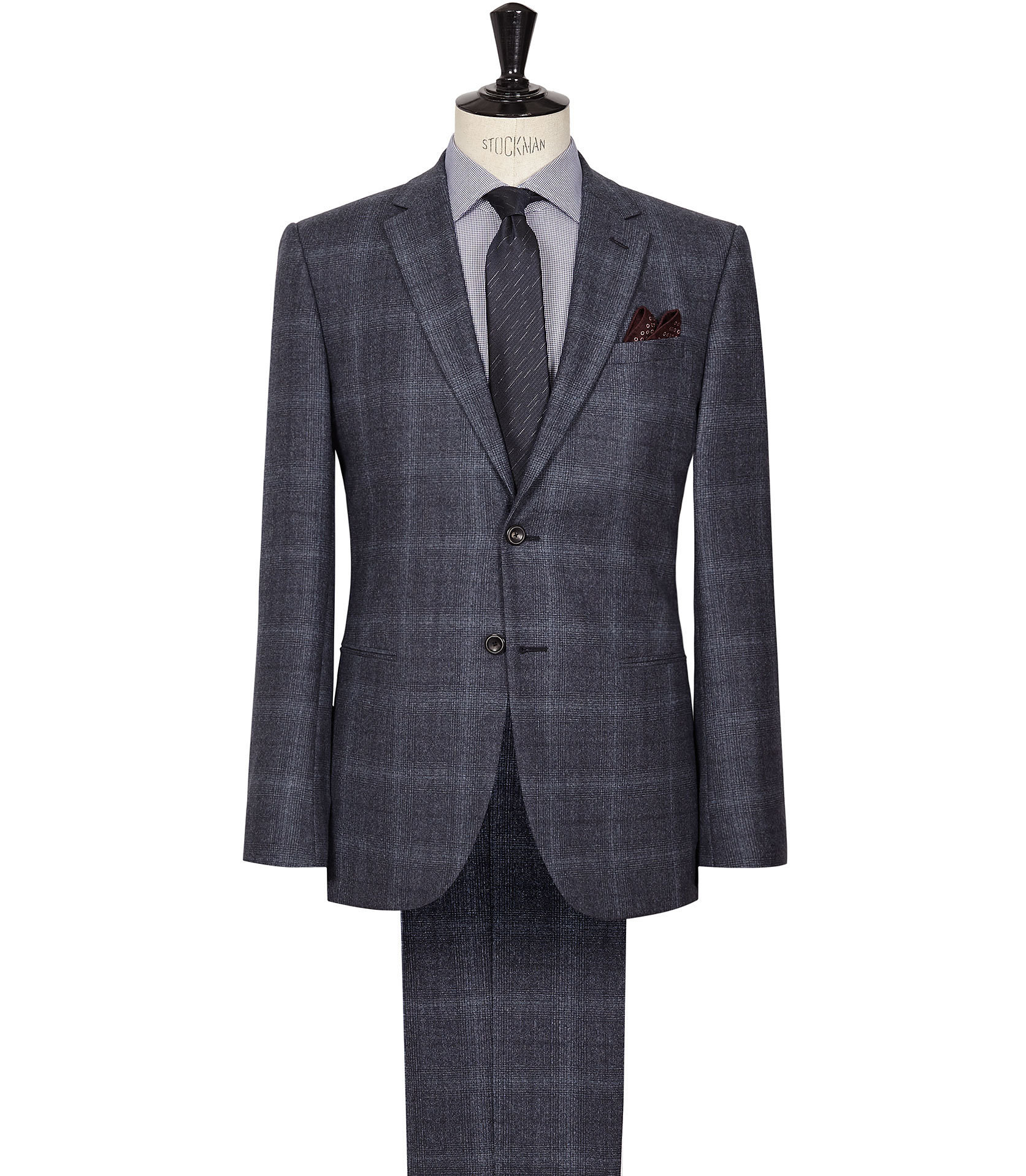 Dark grey suit for the best man of the wedding