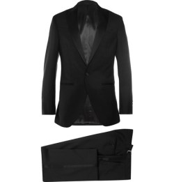 A black tuxedo for the groom