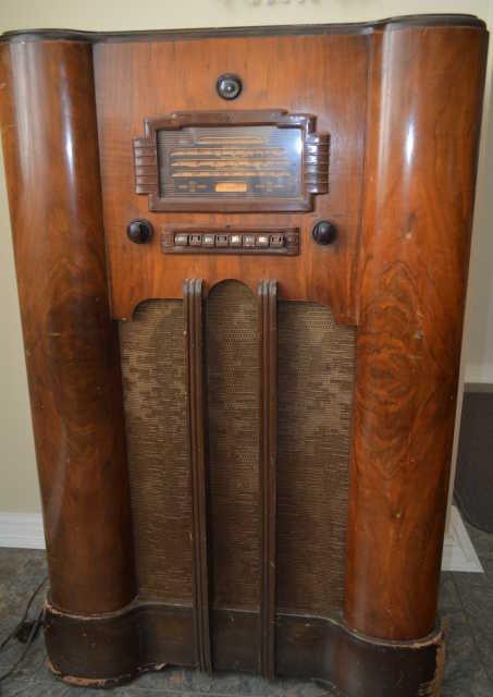 Vintage General Electric Radio  Gentlemint