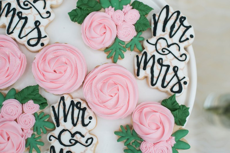 wedding cookies mr and mrs and roses
