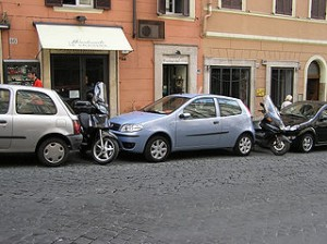 320px-Parking.in.rome.arp