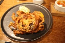 Nandu Varuval (soft shell crab, green chilli, white crab, tomato chutney)