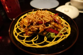 Stir-fry Australian lobster in spicy black bean