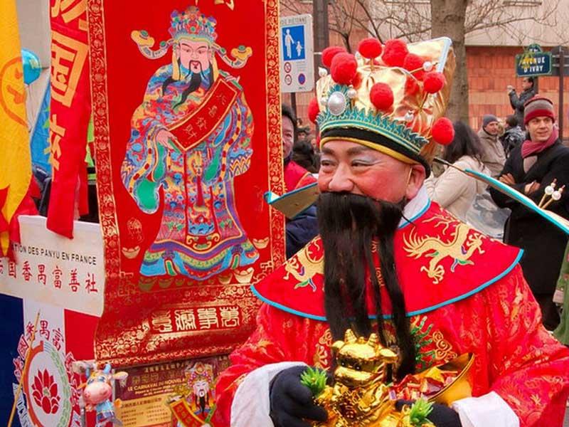 Қытайдағы Санта-Клаус: Баск оның аты - Olenserio