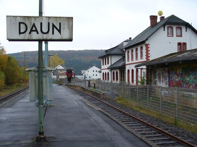 Bahnhof Daun MGRS 32ULA4562  Geograph Deutschland