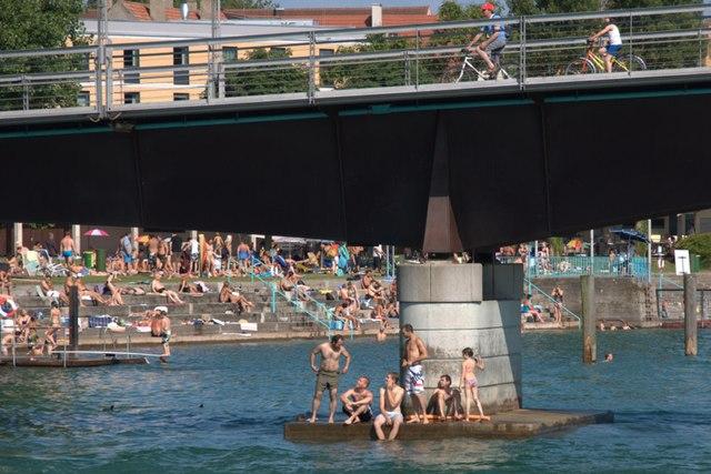Schwimmen im Rhein bei Konstanz MGRS 32TNT1379  Geograph Deutschland