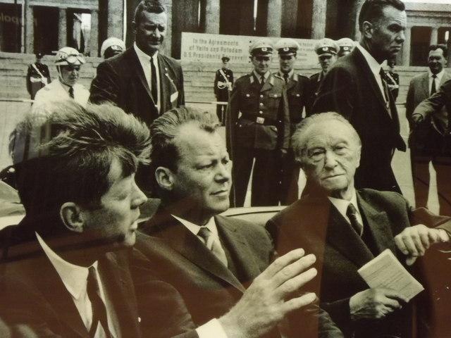 Kennedy Brandt und Adenauer MGRS 33UUU9019  Geograph