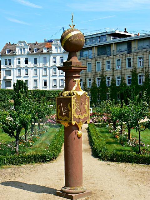 Sonnenuhr Prinz Georg Garten Darmstadt Sundial Prinz Georg