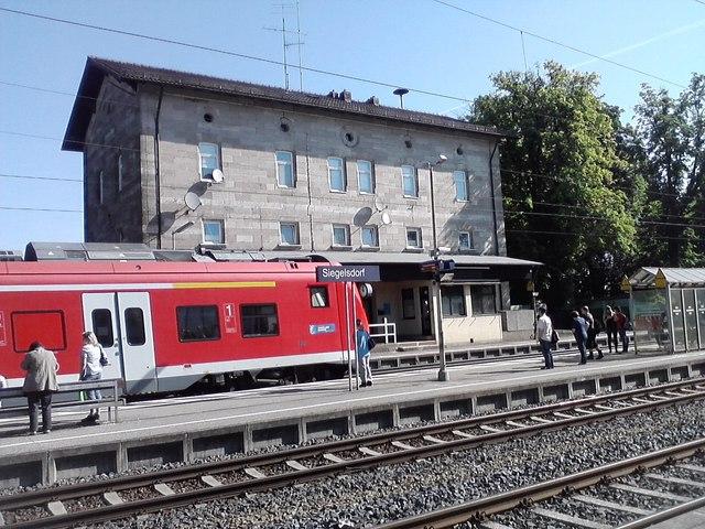 Siegelsdorf Bahnhof MGRS 32UPV3585  Geograph Deutschland