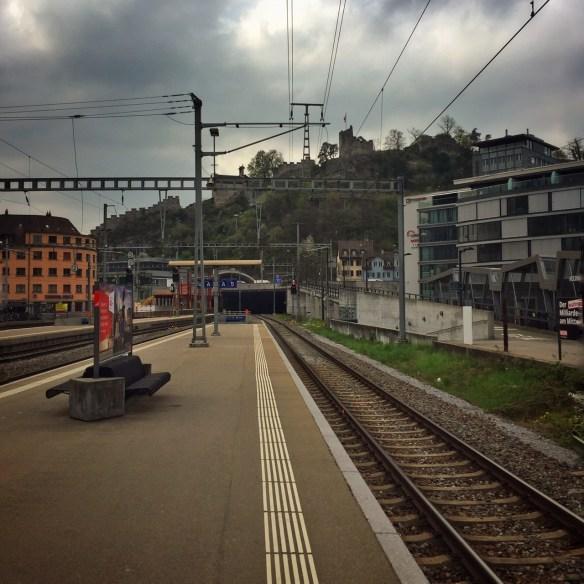 Bahnhof mit Zinnenblick