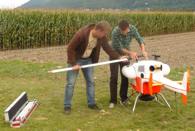 Práca s kvalitným dronom a senzormi v oblasti diagnostiky zdravotného stavu lesa na Ústave ekológie lesa SAV