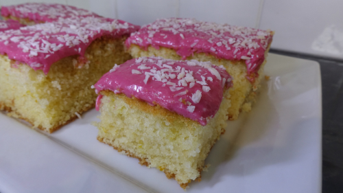 Tottenham Cake - A Traditional Bake