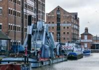 Dockside dredger