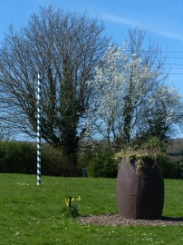 Maypole and a pit tub