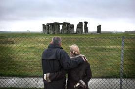 stoneheng_fence245424c