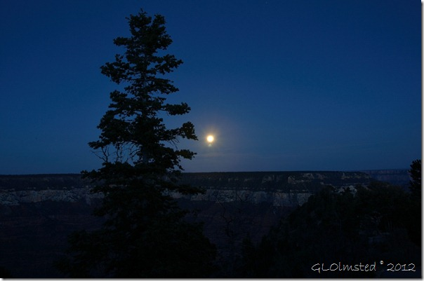 06e Perigee Supermoon rise above Roaring Springs Canyon NR GRCA NP AZ 30s F22 (1024x678)