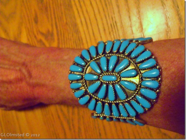 01 Navajo turquoise & SS cluster cuff Pawn from Jacob Lake Inn AZ (1024x768)