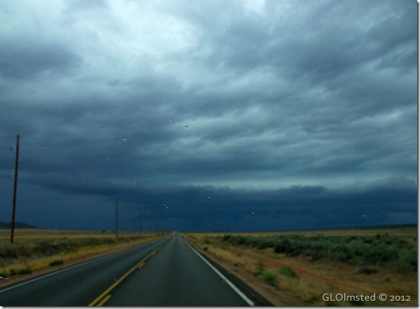 05er Rain clouds over SR59 E UT (1024x752)
