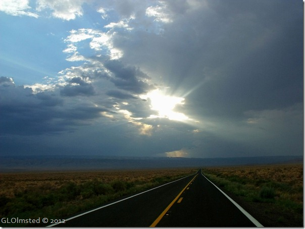 07 Sun thru clouds over Kaibab Plateau from SR89A W AZ (1024x768)