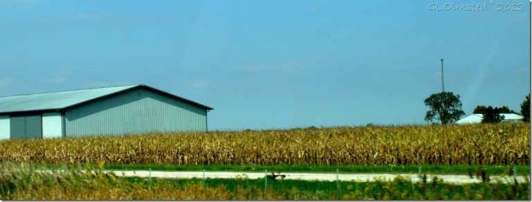 03 Corn fields and barn near Ottawa IL from I80 W (1024x387)