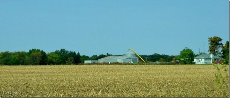 03a Farm along I80 W near Ottawa IL (1024x437)