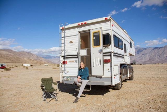 Gaelyn & camper Anza-Borrego Desert SP Rockhouse Trl CA