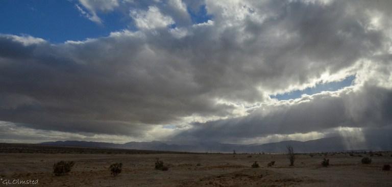DSC_2428 Sun rays Vallecito Mts Anza-Borrego Desert SP CA