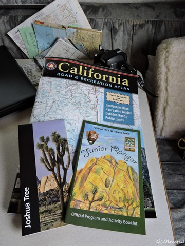 Maps, brochure & Junior Ranger book Joshua Tree National Park California