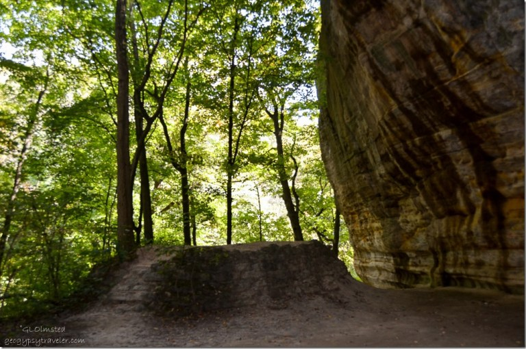 Council overhang from Kaskaskia & Ottawa Canyons trail Starve Rock State Park Illinois