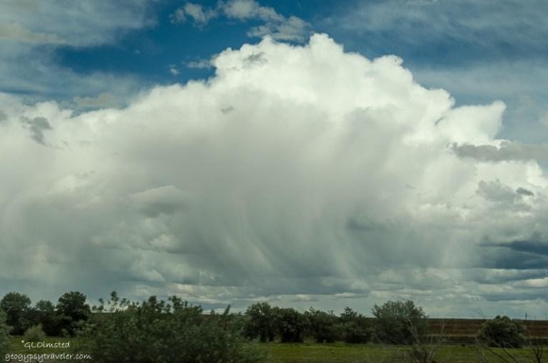 09s DSC_5483lerw Clouds S from SR389 E AZ fff164-2 (800x530)