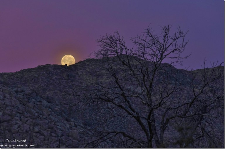 Super moon set Weaver Mountans Yarnell Arizona