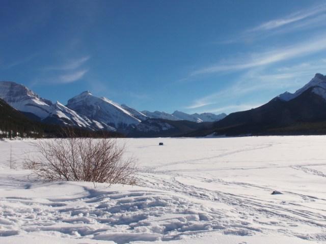 Ice-fishing hut