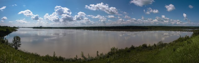 Glenmore Reservoir full of dirty flood water from the Elbow River